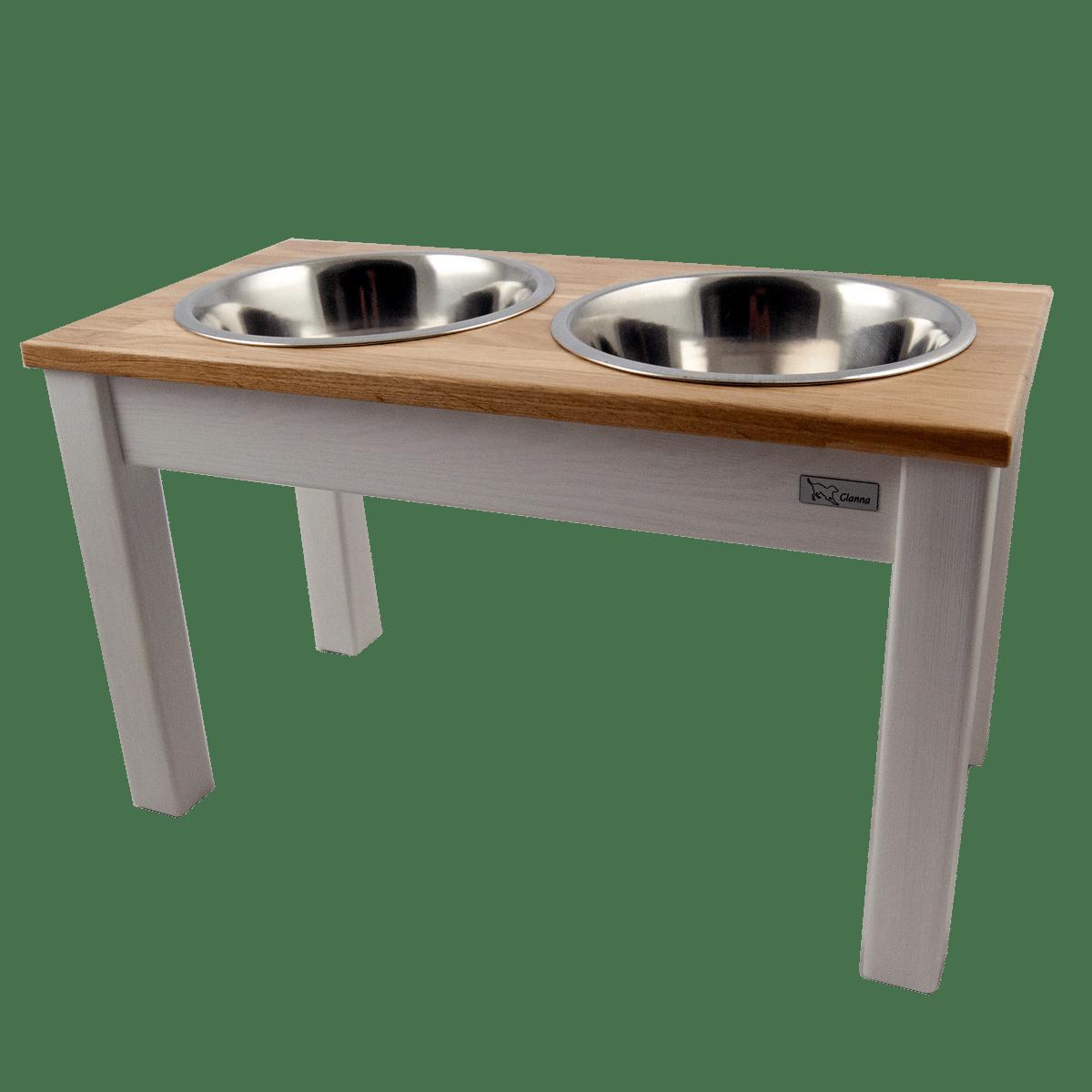 Elegant och stilren matbar i trä- även till den stora hunden