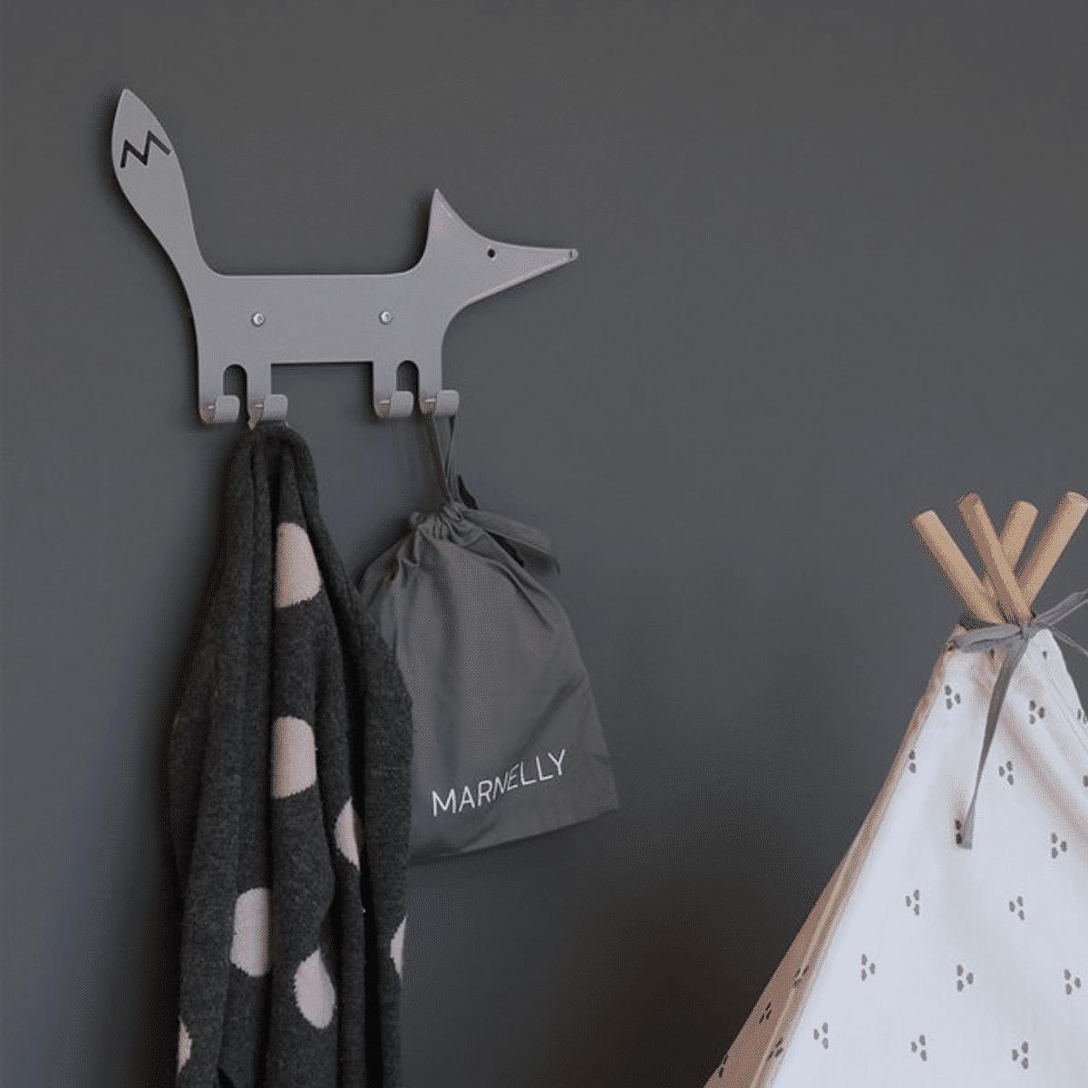 Hängare med krokar- motiv med en räv